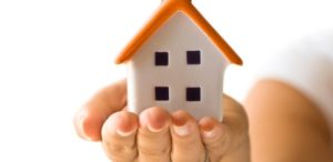 casa-mao-casa-propria-compra-venda-aluguel-economia-financa-negocio-arquitetura-negocio-construcao-investimento-emprestimo-modelo-posse-propriedade-projeto-banco