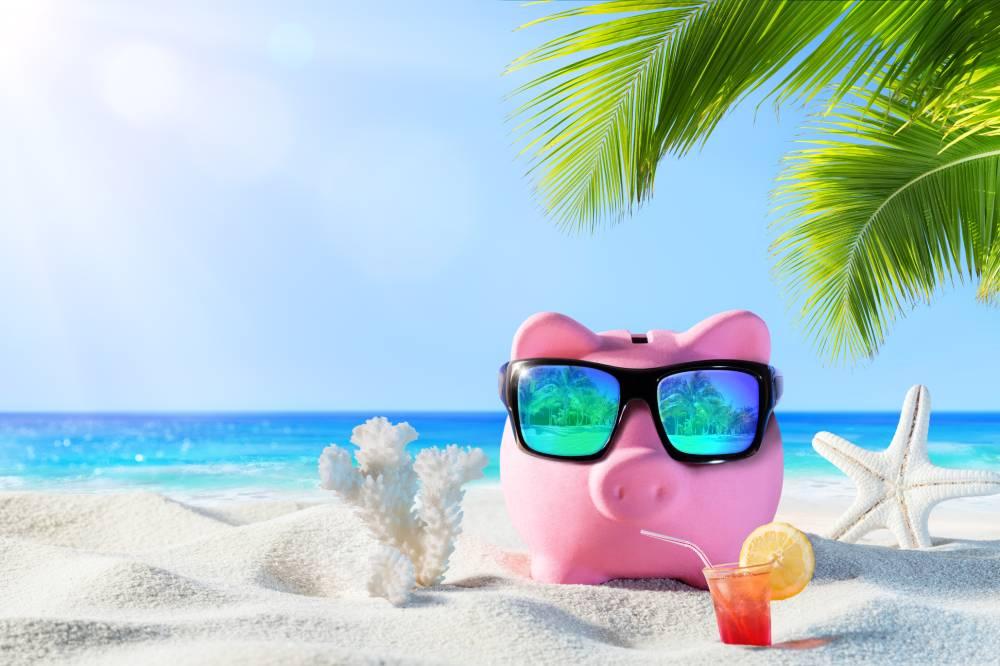 cofre-porquinho-na-praia - Dinheiro: Faça uma lista de planos para 2018 e organize seu orçamento para realizá-los