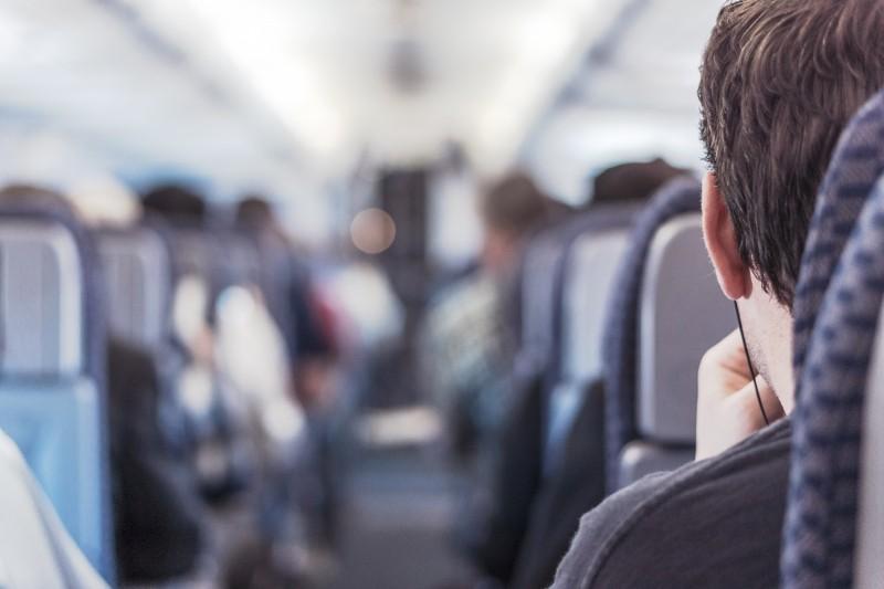 Passagens aéreas são mais baratas que as de ônibus, quando compradas antecipadamente.