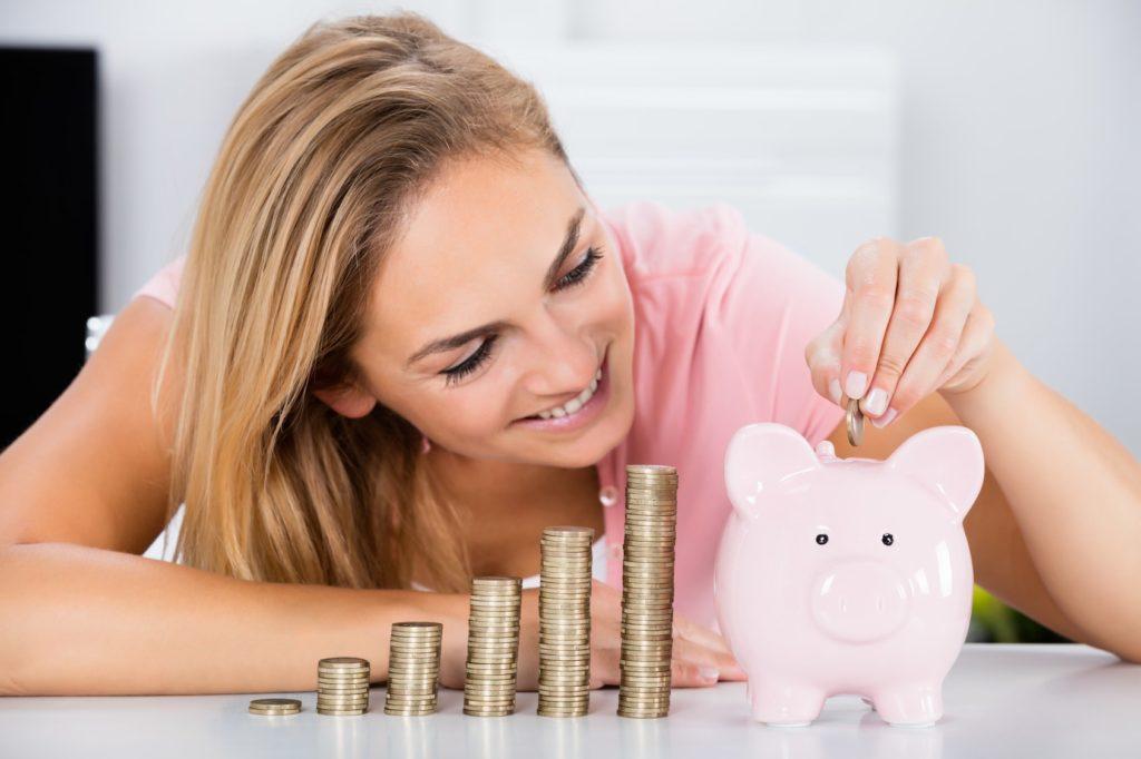 A aplicação mantida por mais tempo muitas vezes é escolhida por ter liquidez imediata: a caderneta de poupança