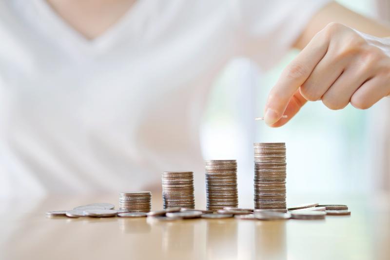 Como começar a juntar dinheiro hoje?